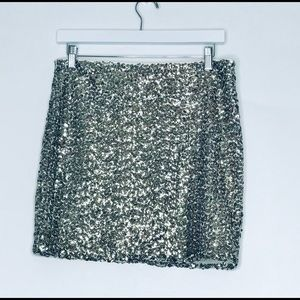 Dresses & Skirts - 🔥Sliver Sequin Short Mini Skirt  Sz Large